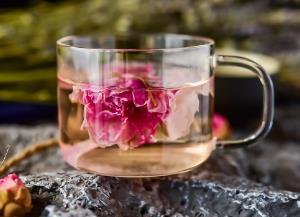 两款玫瑰花茶泡法 让你舒缓情绪消除疲劳